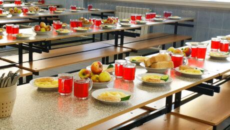 Каракалпакстан: ученикам начальных классов будут давать бесплатный обед