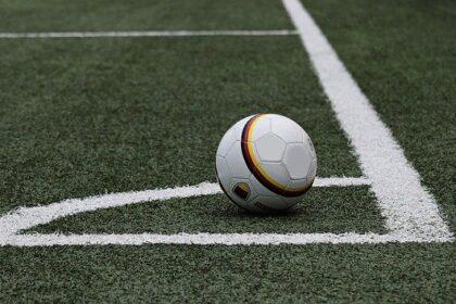 Футболистов избили за то, что они потребовали зарплату