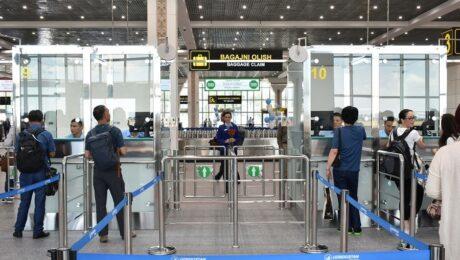 Пассажиры British airways провели больше суток в аэропорту Ташкента