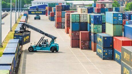 Госкомстат: внешнеторговый оборот Узбекистана достиг 28,2 млрд долларов