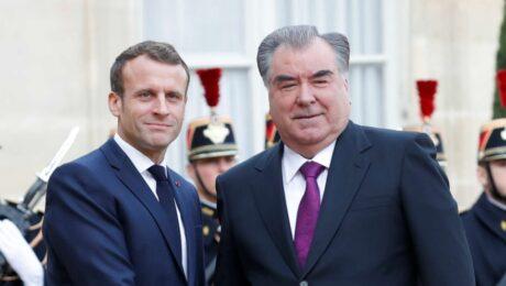 Фото: Рвхмон прибыл в Париж, где встретится с Макроном