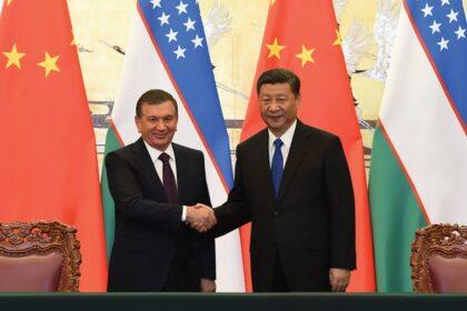Президент Узбекистана поздравил главу и народ КНР с Днем образования Республики